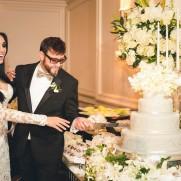 corte-do-bolo-Casamento-Marina-Elali1